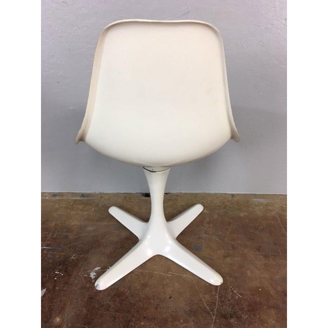 Set of 4 Saarinen Style Tulip Table and Propeller Base Chairs by Burke For Sale In Phoenix - Image 6 of 11