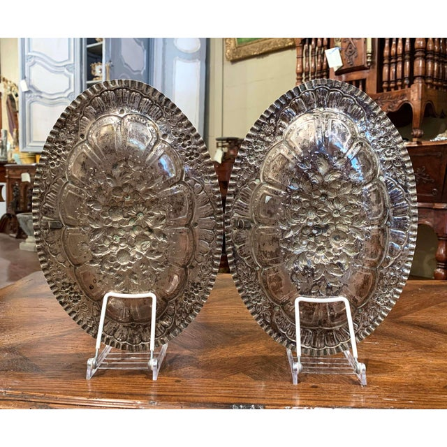 Metal Pair of 19th Century French Repousse Silver Oval Wall Plaques For Sale - Image 7 of 8