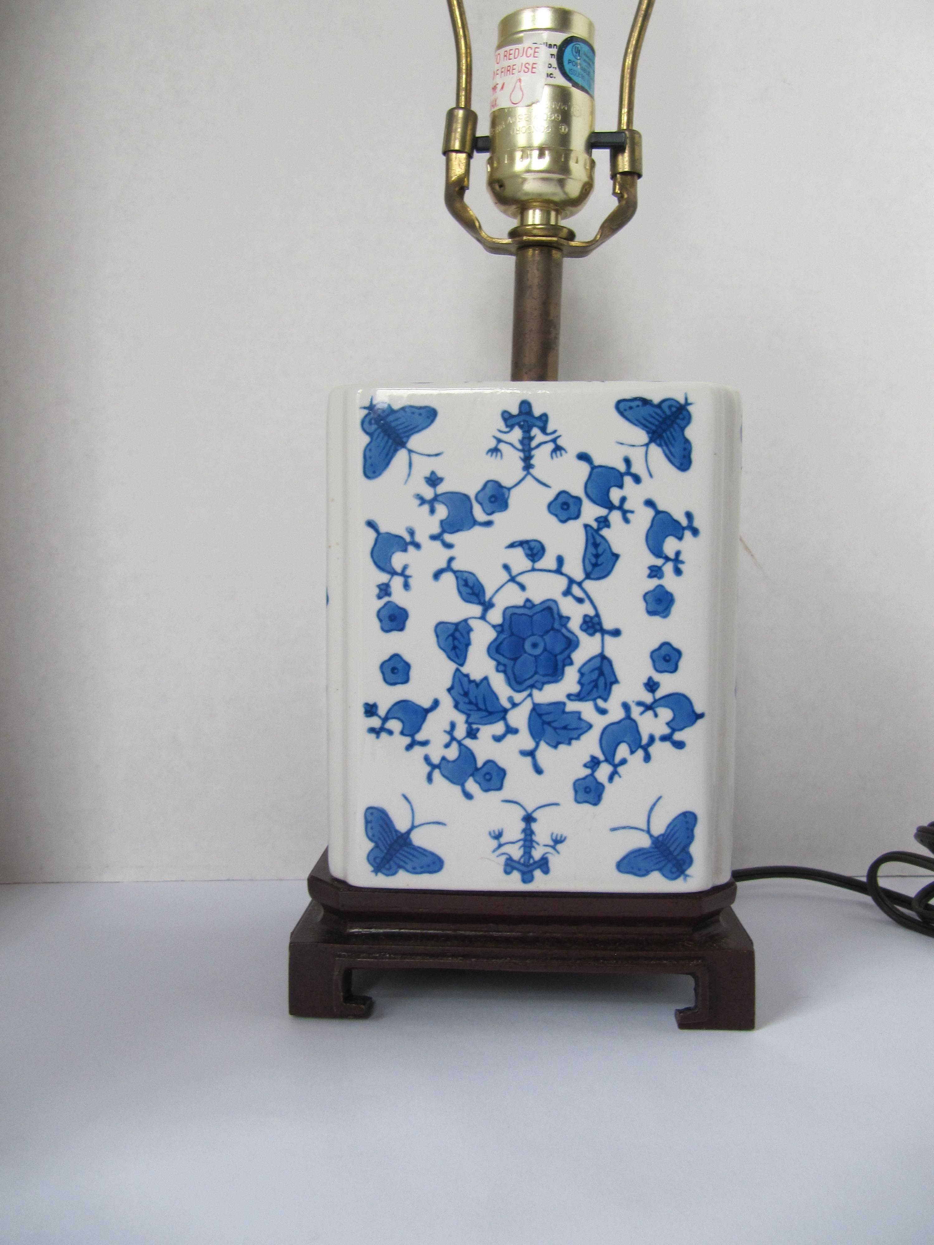 Blue And White Chinoiserie Lamp   Image 6 Of 7