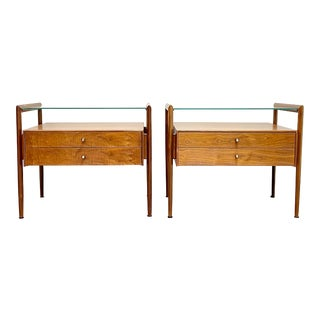 Pair of Mid Century Modern End Tables/Nightstands by Barney Flagg for Drexel For Sale