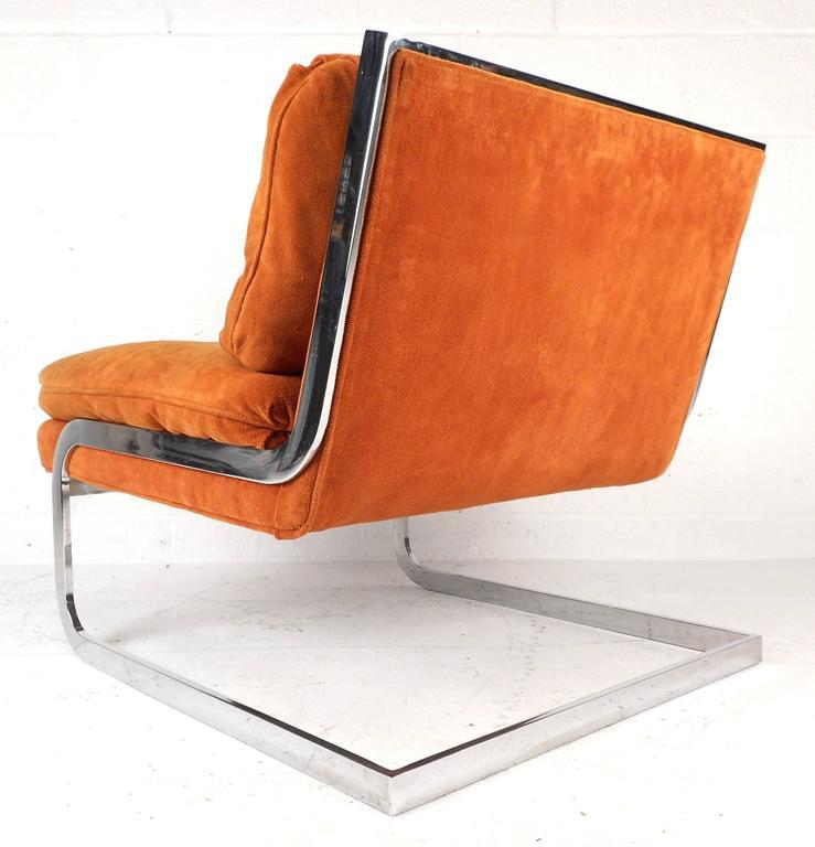 Mid Century Modern Milo Baughman Style Mid Century Cantilever Slipper Chair  For Sale