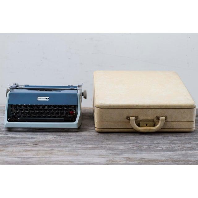 Vintage Underwood 21 Typewriter For Sale - Image 9 of 9
