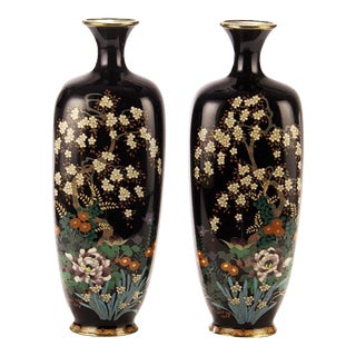 Late 19th Century Japanese Kodenji Style Silver Wire Cloisonne Vases - a Pair For Sale