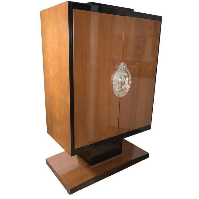 Art Deco Style Armoire in Walnut, Lacquer and Giltwood For Sale - Image 9 of 9