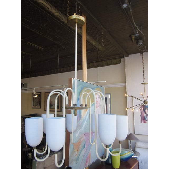 French 1950s Mid-Century Modern Matte White 9-Arm Curvilinear Chandelier For Sale - Image 3 of 12