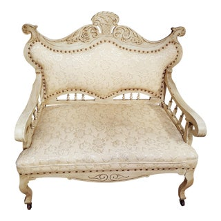 1900s Vintage Victorian Cream Upholstered Settee For Sale