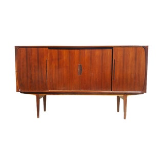 1960s Mid-Century Modern Rosewood Credenza Sideboard For Sale