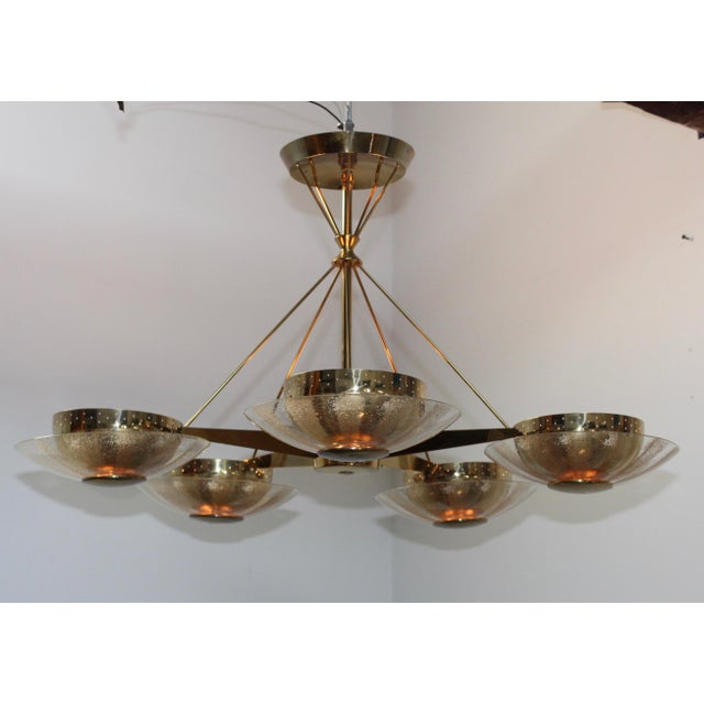 Stunning 1950s Gerald Thurston designed for lightolier brass and glass 5-arm chandelier, in vintage original condition...