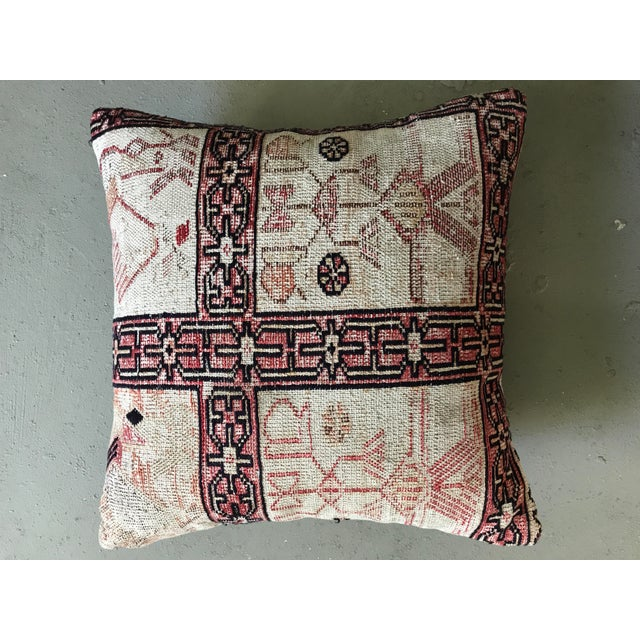 Offered is a Turkish Kilim pillow. Made in Turkey. Pillow is made from 100% wool on front. The back is 100% cotton. It is...