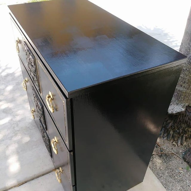 Gold Dorothy Draper Style Hollywood Regency 3 Drawer Black Gold Vintage Small Dresser For Sale - Image 7 of 8