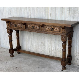 Early 19th Century Carved Walnut Wood Catalan Spanish Console Table Preview