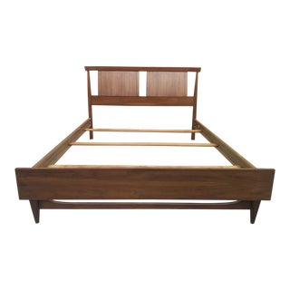 1960s Mid Century Modern Kent Coffey Tableau Full Size Bedframe For Sale