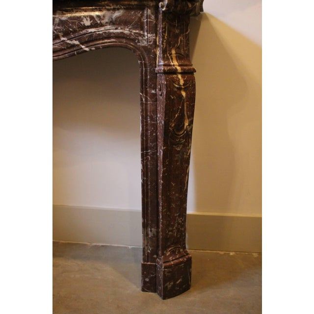French Louis XV Style Marble Mantel For Sale In Dallas - Image 6 of 9