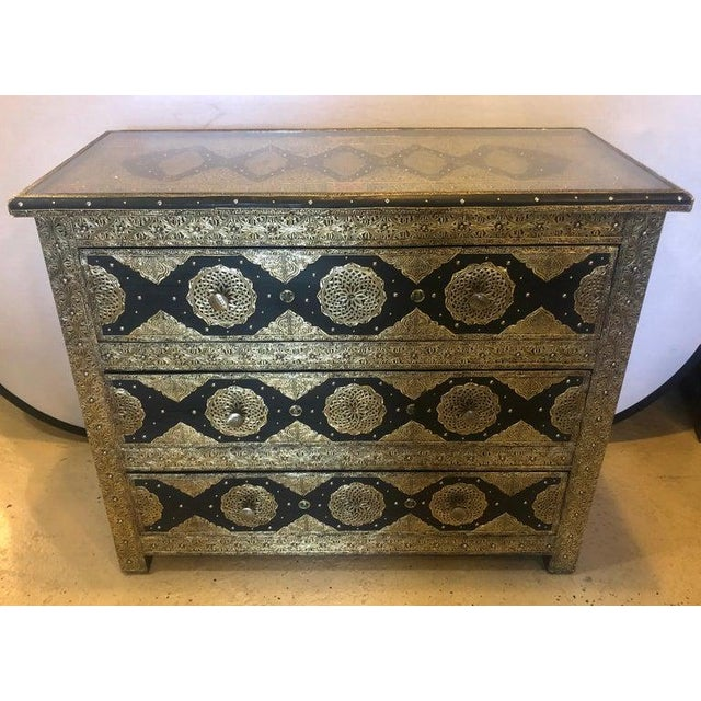 Metal Pair Brass & Ebony Hollywood Regency Style Moroccan Commodes, Chests Nightstands For Sale - Image 7 of 13