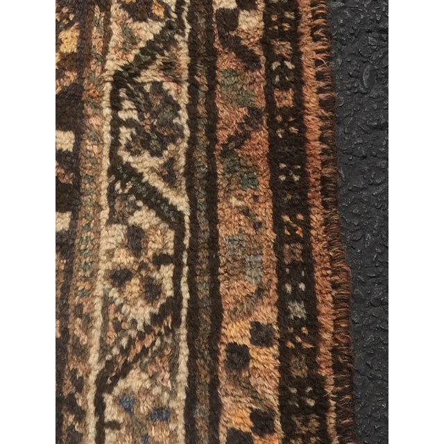 """Vintage Persian Shiraz Area 70-Year-Old Rug - 4'6"""" x 6'3"""" - Image 6 of 10"""