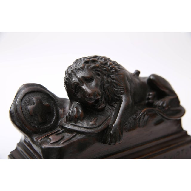 Early 20th Century Bertel Thorvaldsen, Ahorn.Carved Book Ends Swiss Guard Lions of Lucerne, France For Sale - Image 5 of 10