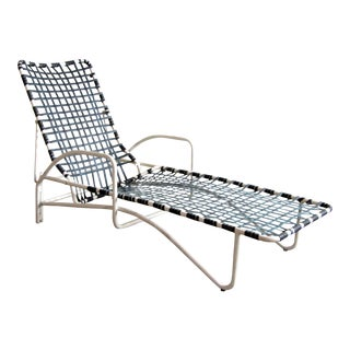 Vintage Brown Jordan Lido Patio Chaise Lounge With White Frame and Blue Strapping For Sale