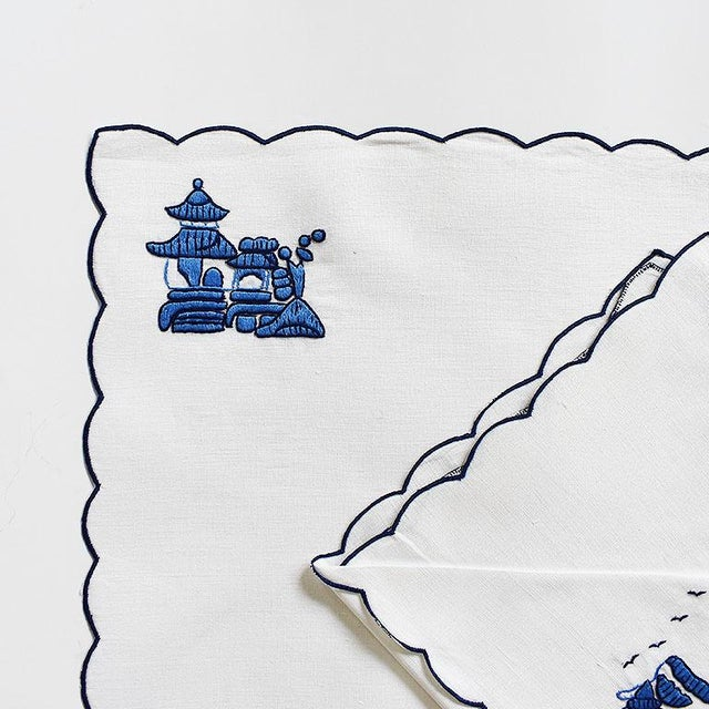 Chinoiserie Embroidered Linen Placemat and Napkin Set in Blue and White - Set of 8 For Sale - Image 4 of 4