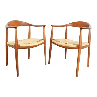 Hans Wegner Round Chairs - a Pair For Sale