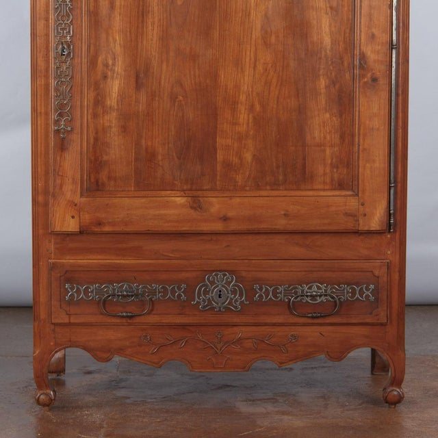 French Louis XV Cherrywood Bonnetiere Armoire, 18th Century - Image 10 of 11