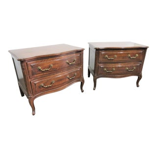 Louis XV Henredon Four Centuries Oak Nightstands - a Pair For Sale
