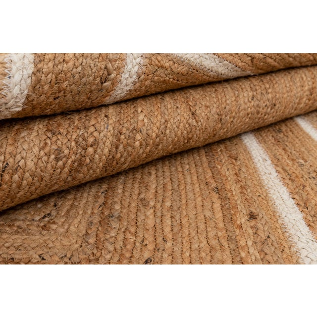 White Trim Jute Scallop Braided Handmade Rug For Sale - Image 9 of 10