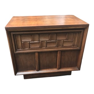 Mid-Century 2-Drawer Nightstand For Sale