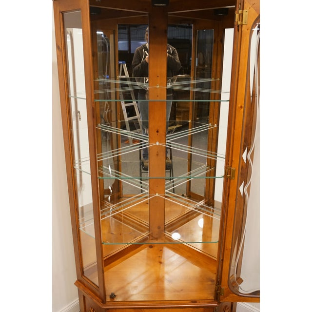 Late 20th Century 20th Century French Country Pulaski Furniture Display Curio Cabinet For Sale - Image 5 of 10