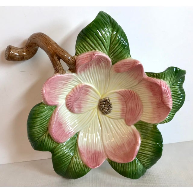 Beautiful FF bowl in the shape of a flower blossom - maybe a Dogwood?