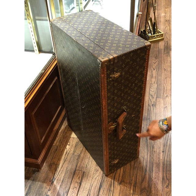 Louis Vuitton Suitcase in the Iconic Monogram Canvas For Sale In New York - Image 6 of 12