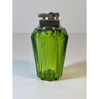 1950s Vintage Faceted Viking Green Glass Table Lighter Preview