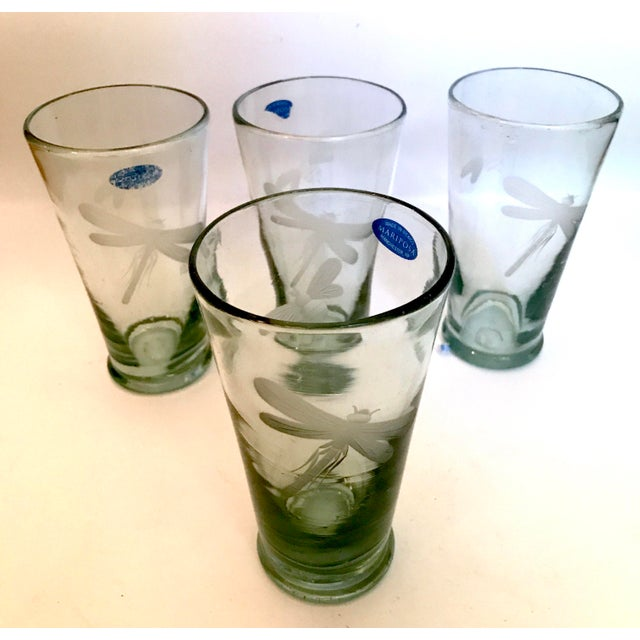 2000 - 2009 Mariposa Handblown Highball Glasses With Etched Dragonfly and Bumblebee - Set of 4 For Sale - Image 5 of 7