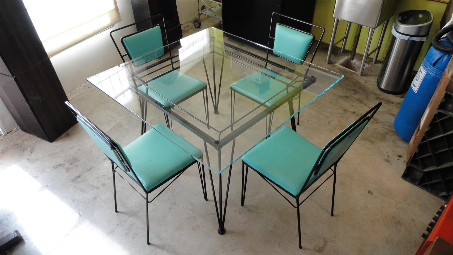 Perfect Atomic Age Mid Century Iron Dining Set   Image 2 Of 11