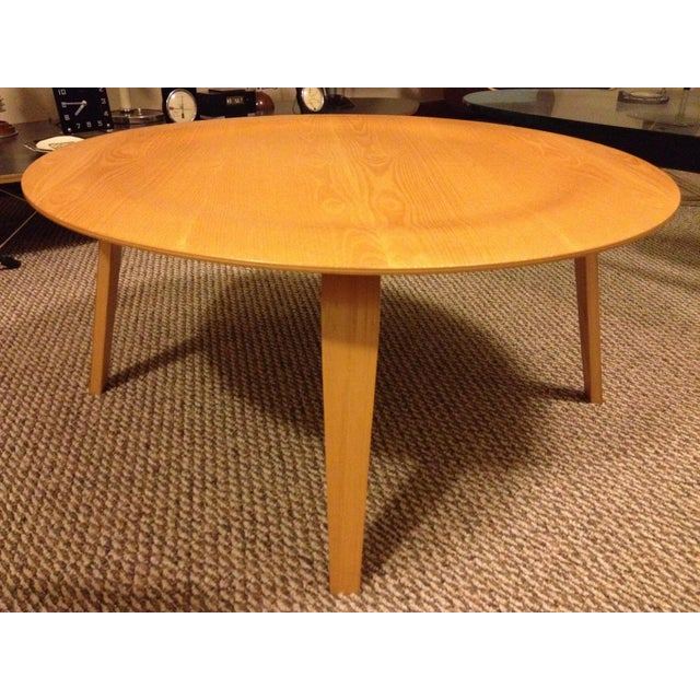 Ash 1990s Mid-Century Modern Herman Miller Eames Plywood Coffee Table For Sale - Image 7 of 7