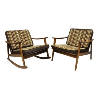Vintage Mid-Century Modern Danish Style Lounge / Rocking Chairs - a Pair For Sale