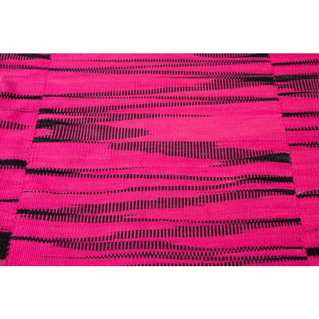 21st Century Pink or Black Geometric Turkish Kilim Rug For Sale In New York - Image 6 of 9