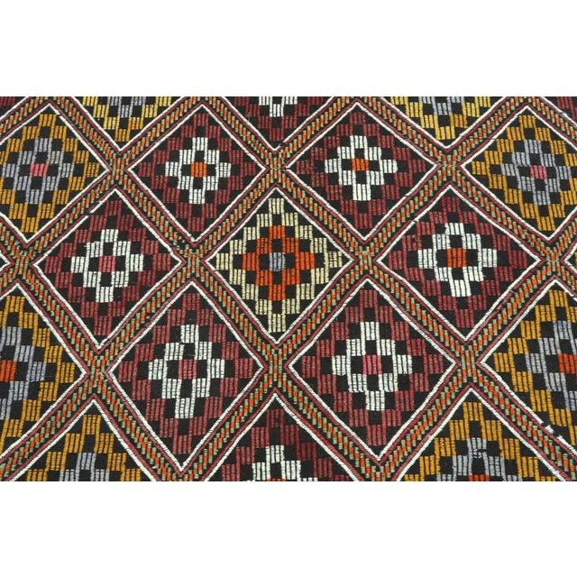 Red Vintage Turkish Antalya Embroidered Kilim Rug- 4′8″ × 9′7″ For Sale - Image 8 of 13