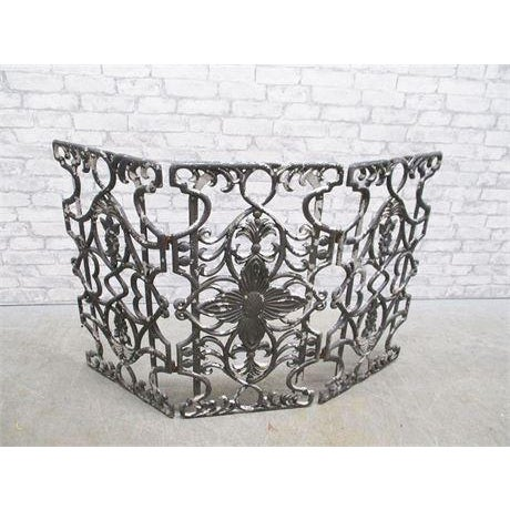 Early 20th Century Early 20th Century Antique Cast Iron Fireplace Screen For Sale - Image 5 of 5