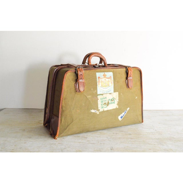 • Vintage folding travel wardrobe suitcase. • Val-A-Pak model circa 1940 made by the Atlantic Manufacturing Co. which was...