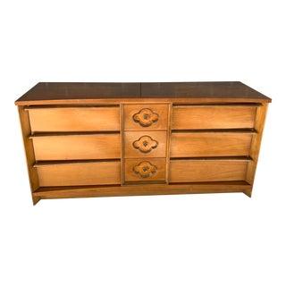 Mid-Century Modern Bassett Furniture Dresser For Sale