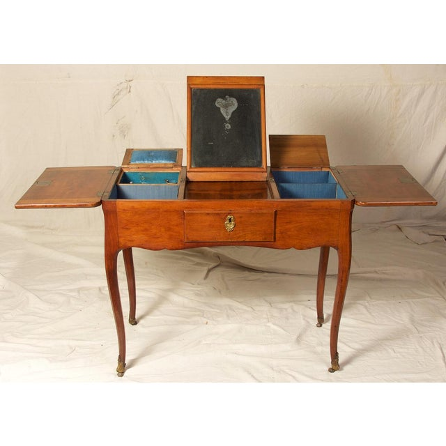 18th C. Louis XV Fruitwood Inlaid Poudreuse Dressing Table For Sale In Charleston - Image 6 of 9