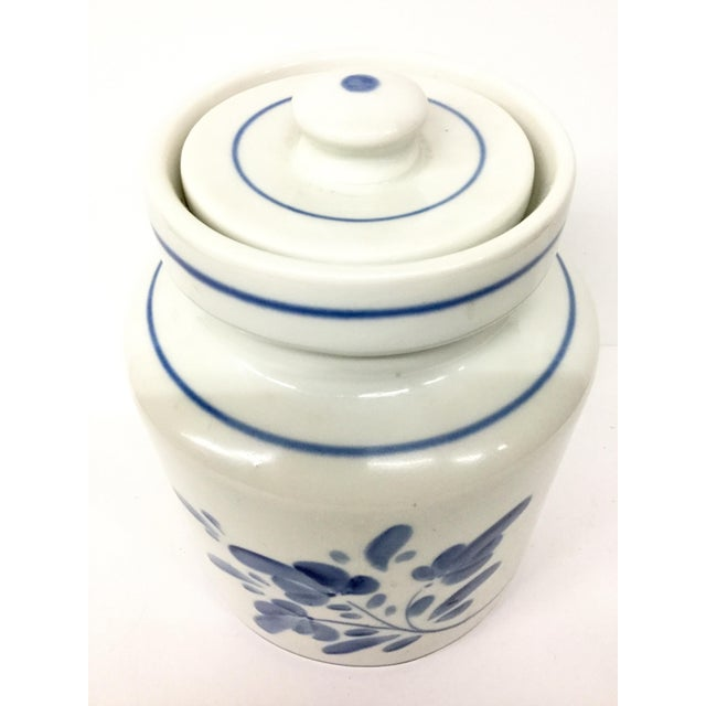 A beautiful cookie jar with heavy lid to hold your favorite goodies. Hand painted in Portugal by an artisan and obviously...