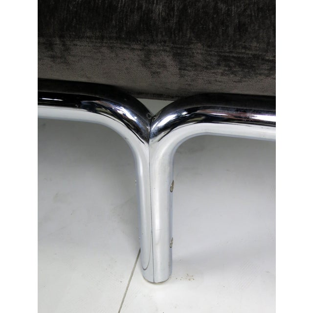 Metropolitan Furniture Large Scale Modernist Chrome Gallery Bench by Metropolitan For Sale - Image 4 of 4