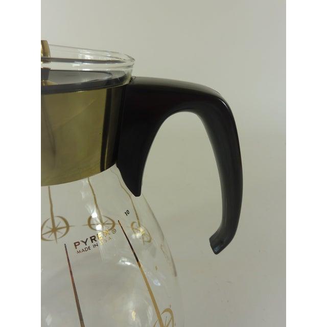 Transparent Vintage 1960's Pyrex Glass Gold Atomic Starburst Large Glass Coffee Carafe For Sale - Image 8 of 13