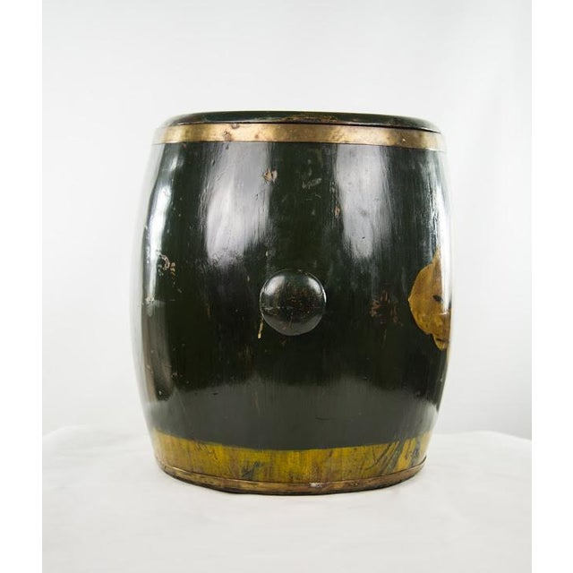 Chinese Qing Dynasty Lacquer Painted Lidded Storage Vessel For Sale - Image 5 of 7