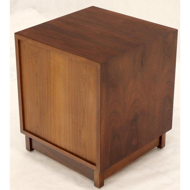 Pair of Cube Shape Oiled Walnut One Drawer Mid-Century Modern End Tables Stands For Sale - Image 12 of 13