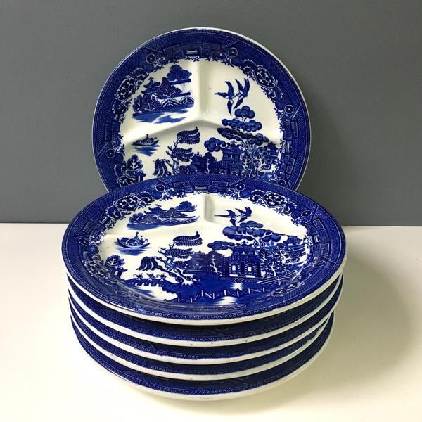 Set of six vintage grill plates in the Blue Willow pattern made in England and imported by August Hashagen of New York....