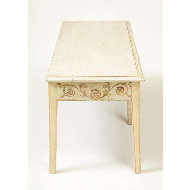 Colefax & Fowler Long Ivory-Painted Hall Bench For Sale In New York - Image 6 of 10
