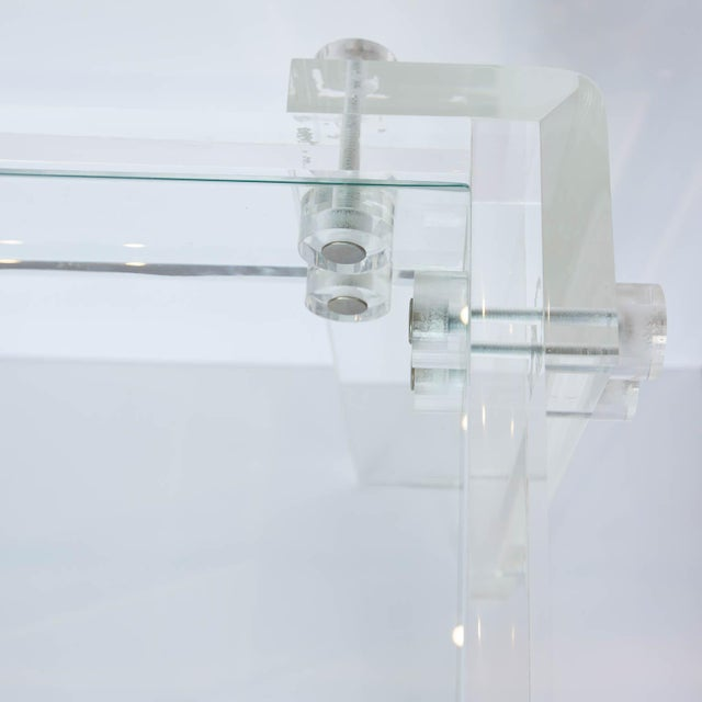 Lucite and Glass Coffee Table For Sale In New York - Image 6 of 8