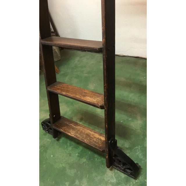 English 1920s English Traditional Mahogany Library Ladder For Sale - Image 3 of 13